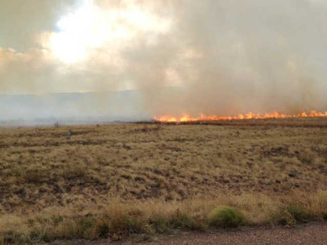 2,000 acre wildfire burning in eastern Arizona