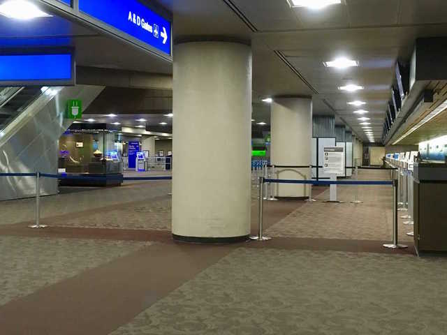 Suspicious item at Sky Harbor closes checkpoints, ticket counters in Terminal 4