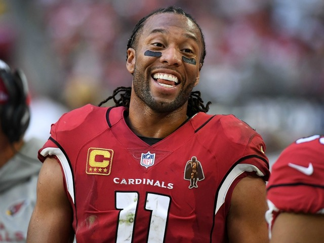 Larry Fitzgerald will return to the Cardinals in 2018 rather than retire