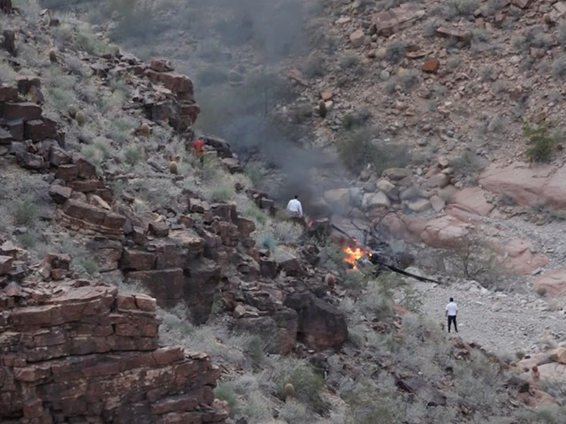 3 dead, 4 injured in Grand Canyon chopper crash