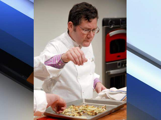 chef charlie trotter Charlie trotter, a chef whose flagship restaurant, charlie trotter's, helped establish chicago as a serious dining city, died on tuesday he was 54.