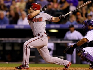 D-backs' Owings injured in on-field collision