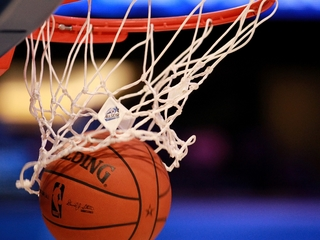 Former NBA player helps youth learn life skills