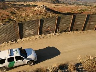 AZ border agent falsely claimed to be US citizen