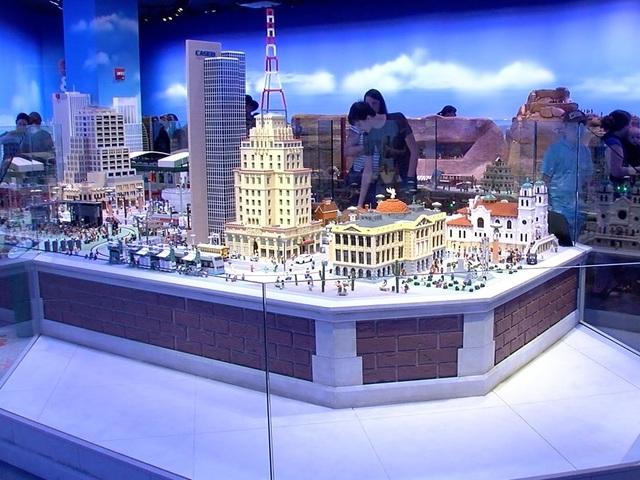 Legoland Discovery Center Arizona opens Friday at Arizona ...