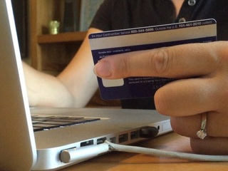 Government considers ID theft warning changes