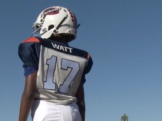 AZ teen who lost sight at age 5 excels on field