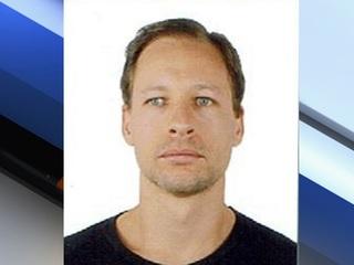 Man pleads guilty to hiding AZ Realtor's body