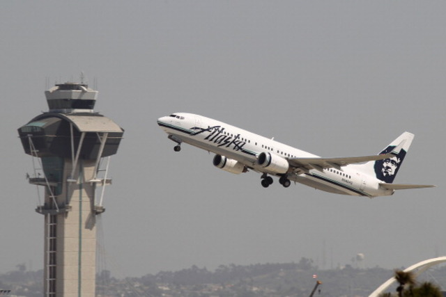 Alaska Airlines to begin flights to 8 West Coast cities from Everett's Paine Field this fall