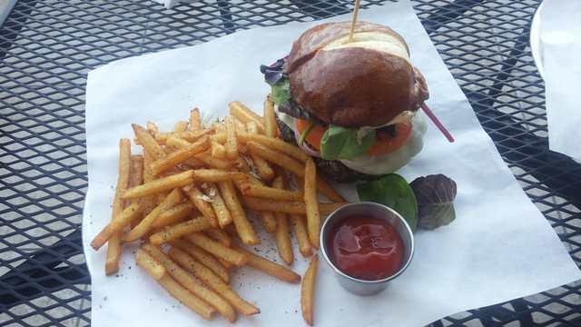 Top 10 Burger Restaurants In Phoenix In 2017 According To