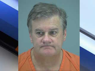 AZ teacher pleads guilty to luring minor