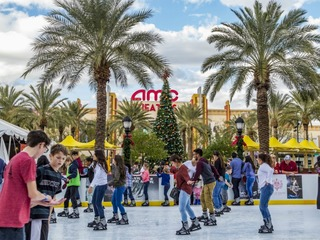 7 places to go ice skating in the Valley