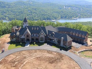 Pitcher donates mansion to special-needs camp