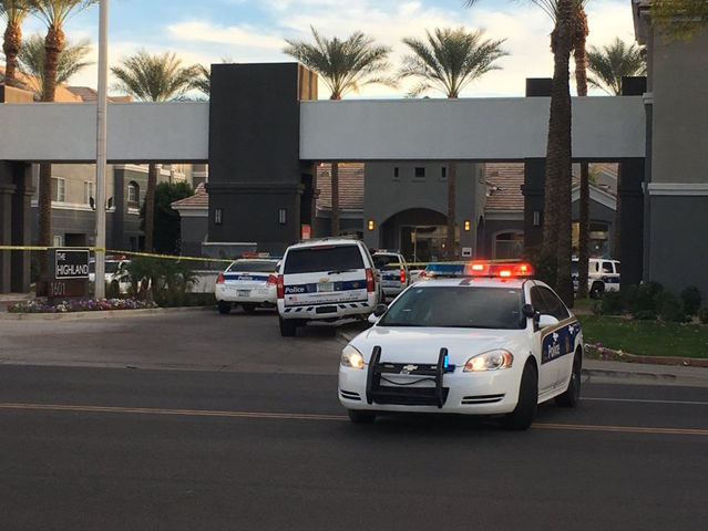 Barricade situation at Phoenix apartment complex