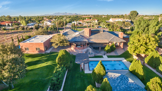 Mesa home to sell for $999K+ at auction