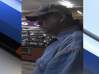 PD: Man robs Scottsdale Circle K at gunpoint