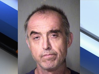 MCSO: Man threatens girlfriend with bayonet