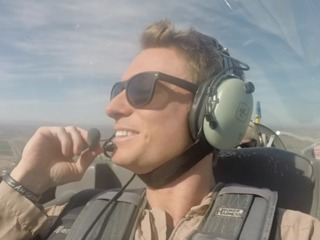VIDEO: Want to be a Top Gun pilot for a day?