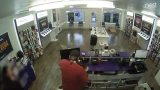 VIDEO: Chandler PD searching for robbery suspect