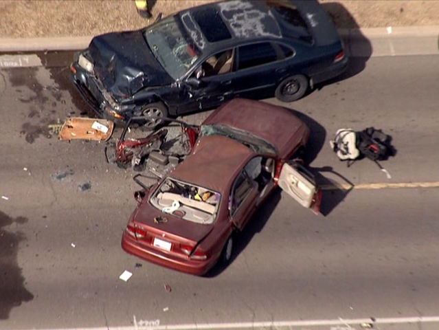 Driver killed, 6-year-old critically hurt in Phoenix crash