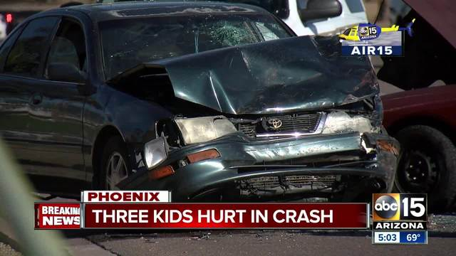 1 woman killed, 2 people critically hurt in southeast Phoenix crash
