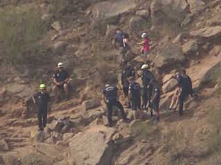 Rescue crews help 4 hikers on Camelback Mountain