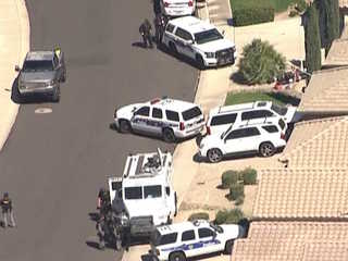 PHX PD: Man in custody after barricade situation