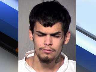 PD: Man killed in fight at Phoenix intersection