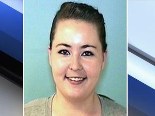 Glendale pedestrian dead, driver sought