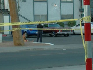 Man dead in shooting at PHX apartment complex
