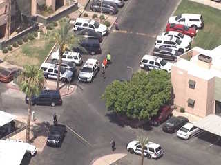 PD: Suspect shot by PHX police had replica guns