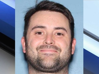 Fugitive Friday: Child molester absconds in PHX