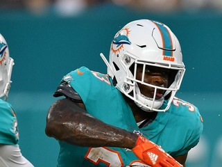 Dolphins QB kicks ex-ASU RB out of huddle