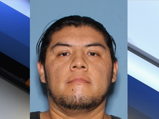 Help PHX police find convicted child molester