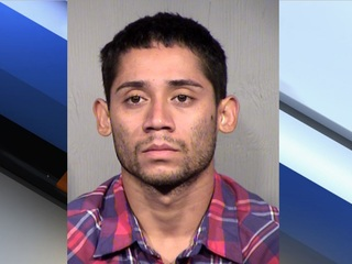 PD: Naked man exposes himself to PHX children