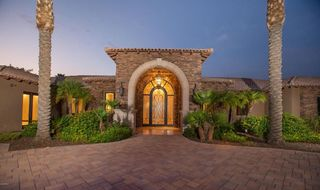 PHOTOS: Larry Fitzgerald lists AZ home for $5M