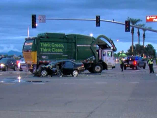 PD: 1 dead in Chandler crash with garbage truck