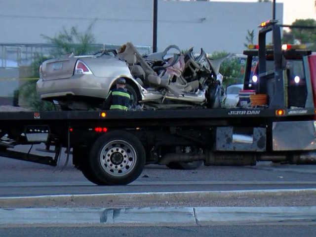 FD: 3 dead, 2 hurt after crash on Bell Road