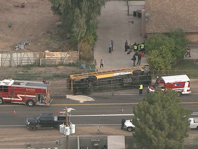 MCSO: 8 kids on board bus in W. Valley rollover